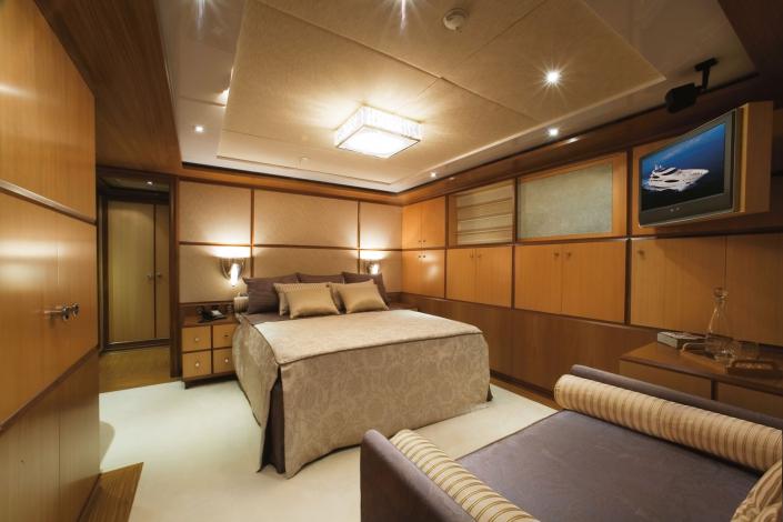 Superyacht Princess Iolanthe - REF. 658 & 2060A