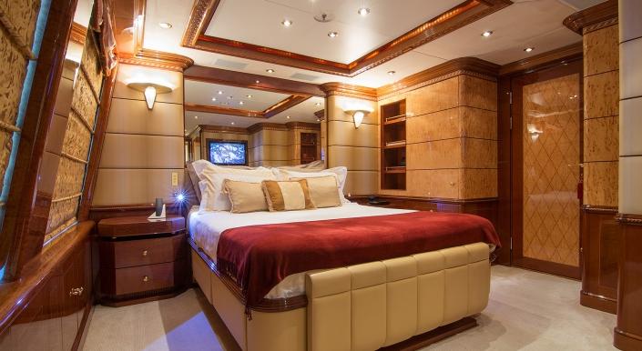 Zuretti Yacht - REF. 542D
