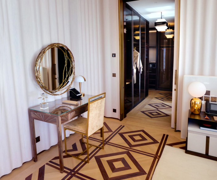 Hotel de Paris Monte Carlo – Diamond Suite Princesse Grace – Lampe 509 BIS
