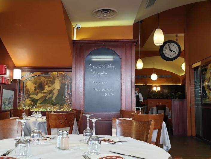 Taverne Massena - REF. 2081 & REF. 1142 bis Jean Perzel