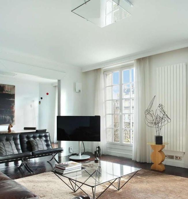Appartement parisien design - Plafonnier REF. 359 et Applique REF. 160 B Jean Perzel