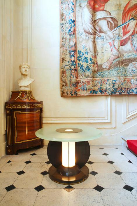 Benjamin Steinitz by Sotheby's - Guéridon / Pedestal table by Jean Perzel
