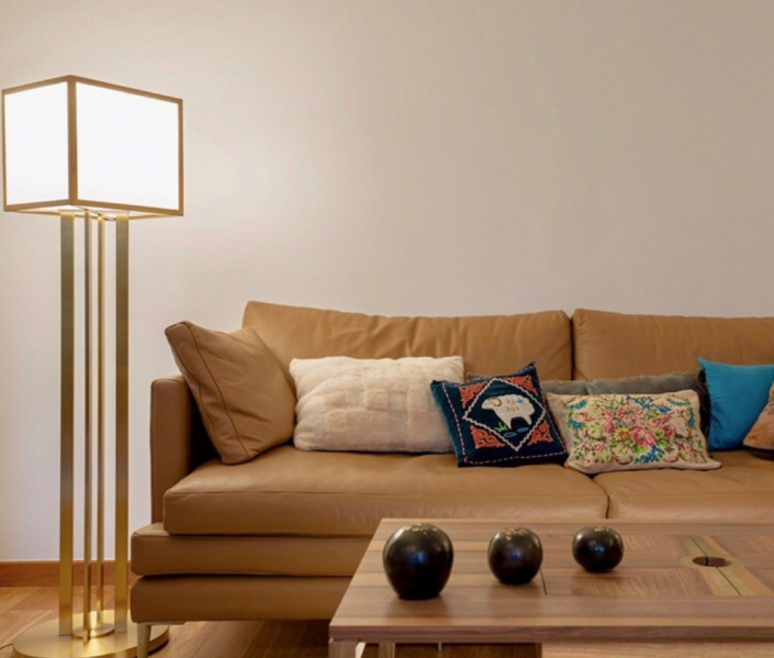 CA 2 Design Interieur - Sandra Bonneville - Floor Lamp / Lampadaire 119 by Jean Perzel